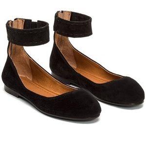 NEW Frye Carson Ankle Strap Ballet Flats